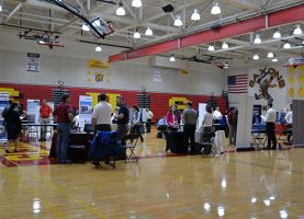 Recent Career Internship Fair Connects District 211 Students to Local Companies