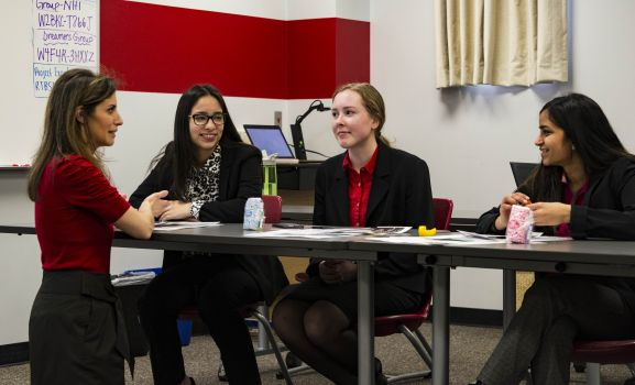 D211 Post: All Girl Business Team Pitches Concept to Area Women Business Leaders