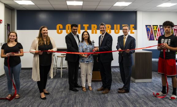 D211 Post: Hoffman Estates High School Opens New AP Support Center